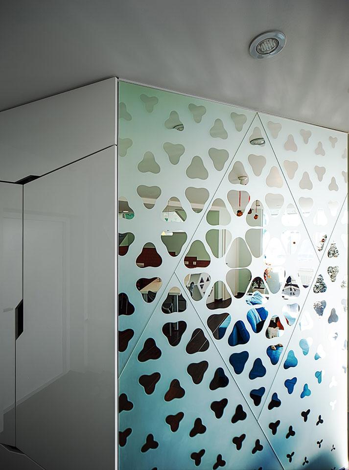 parametric pattern on luxury apartment mirror