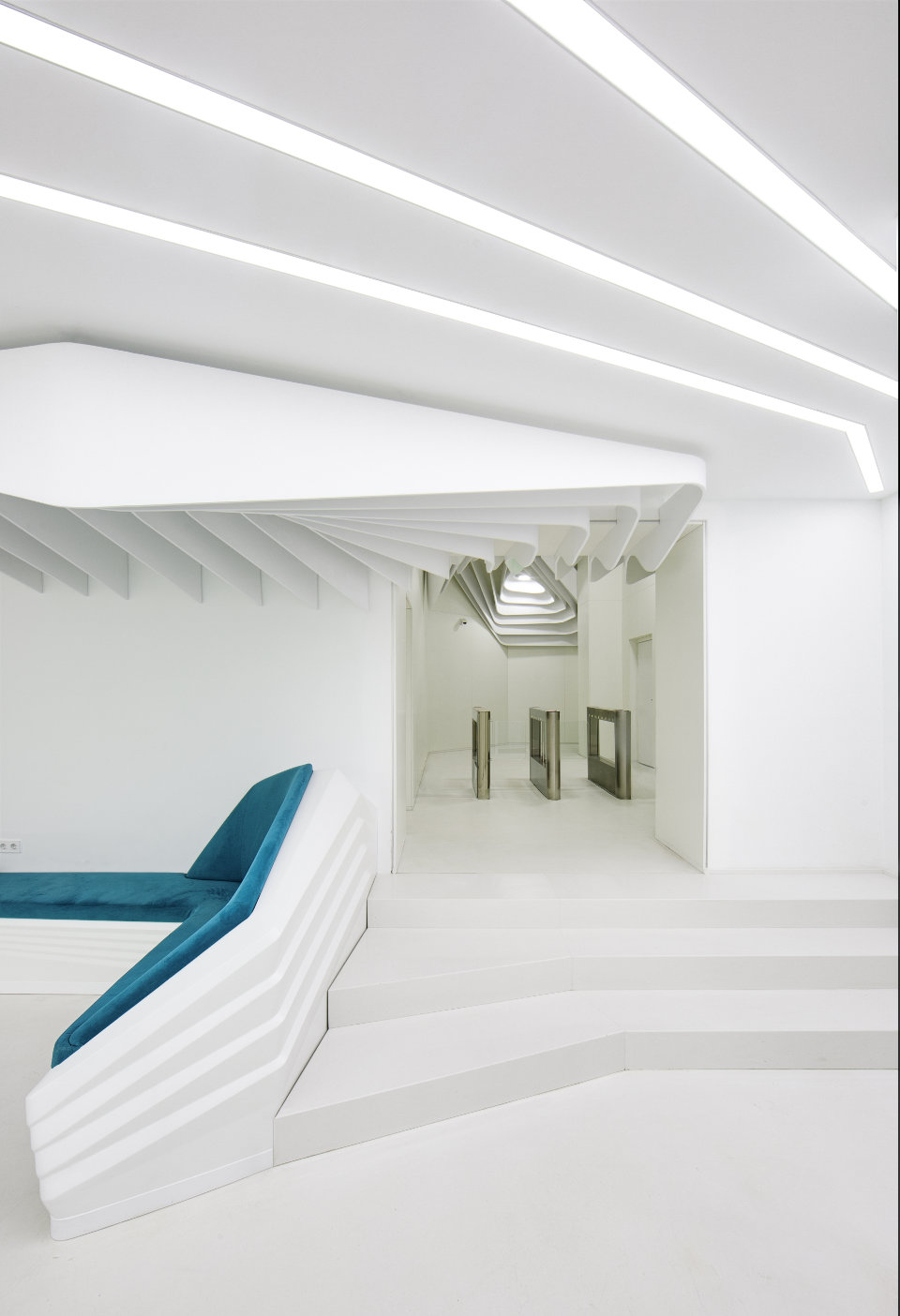 stairs design in luxury parametric oficce's hall