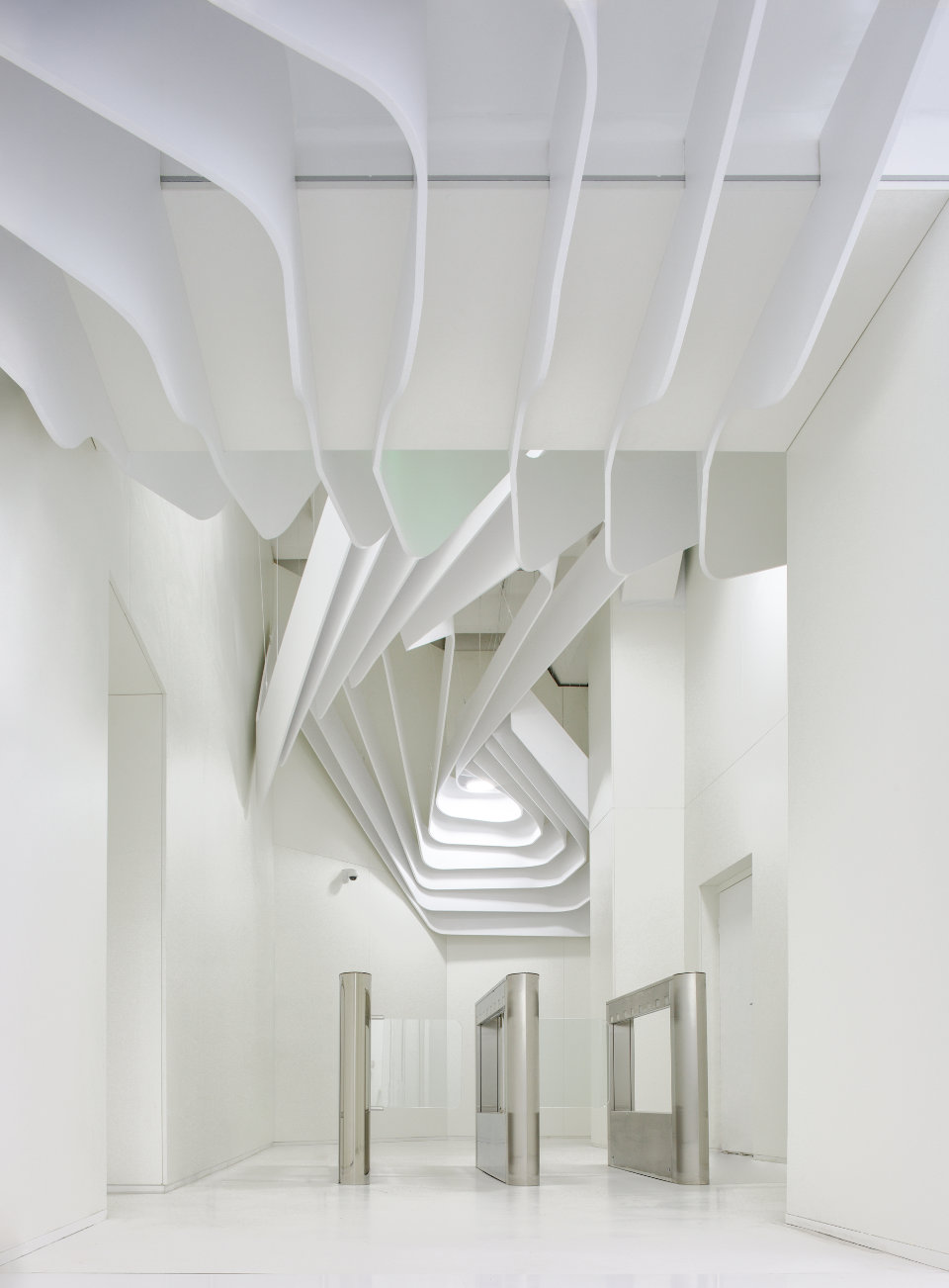 white luxury parametric office in kyiv