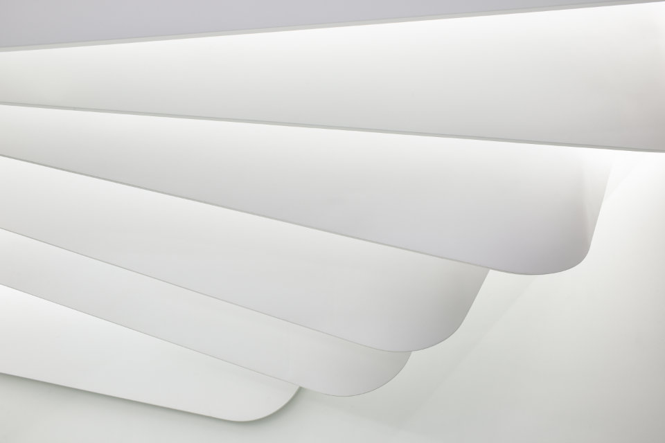 white parametric luxury ceiling like a bird's wing