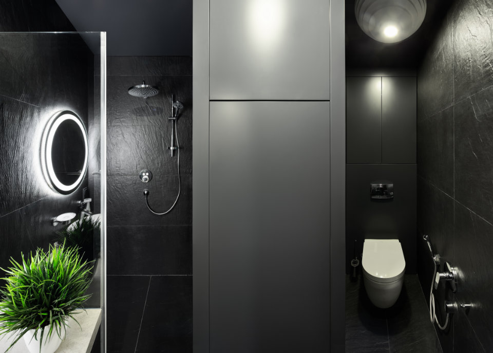 black bathroom design