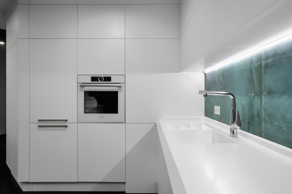 black octopus kitchen design