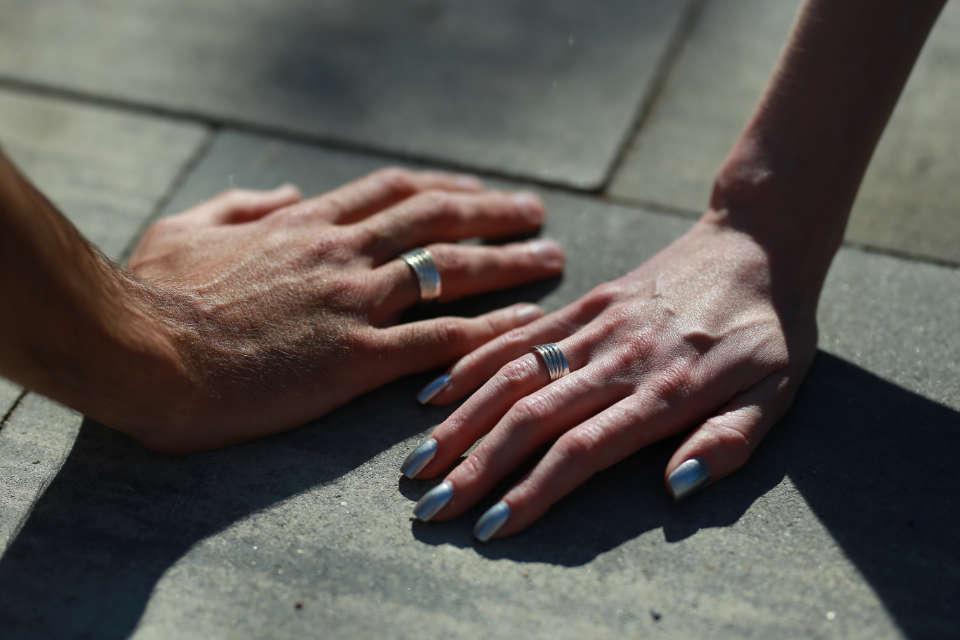 фото сучасні кільця для закоханих