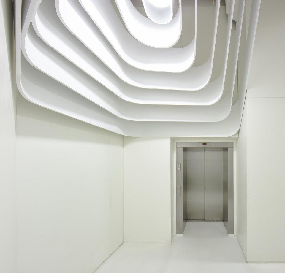 параметричний ліфтовий хол на прахових